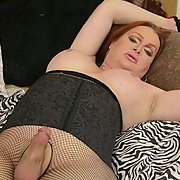 Horny Wendy Spreads And Strokes
