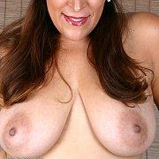 Large Natural Boobs Mature Mom