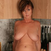 Large Natural Boobs Mature Lady On Counter