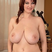 Chubby Nude Babe With Very Large Tits