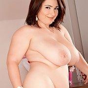 Beautiful Big Nude Brunette Woman