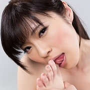 Sara Yurikawa Toe Sucking