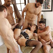 Sexy Wife Gets Nailed