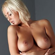 Hot Natural Jugs Blonde Babe With Slick Pussy