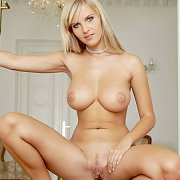 Gorgeous Very Big Boobs Naked Blonde Erotic Model