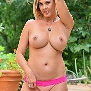 Big Tits Milf Jayna