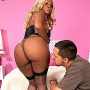 Lusty Rump Blonde Ebony In Action