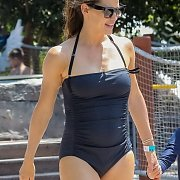 Sexy Celeb Mom Jennifer Garner In A One Piece