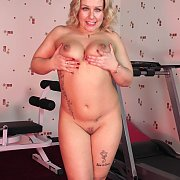 Chubby Scottish Chick Gets Naked