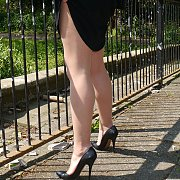 Milf Showing Nylons Legs At The Park