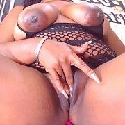 Plump Ebony Pussy Rubbing