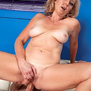 Butt Riding Older Woman On Stud Cock