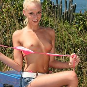 Naughty Babe Anna Niev Gets Naked