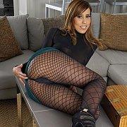 Demi Lopez Strips Off Pantyhose