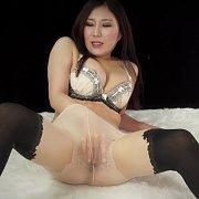 Japanese Babe Masturbates In Pantyhose